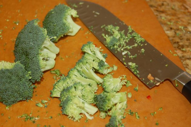 Chop broccoli into small pieces.