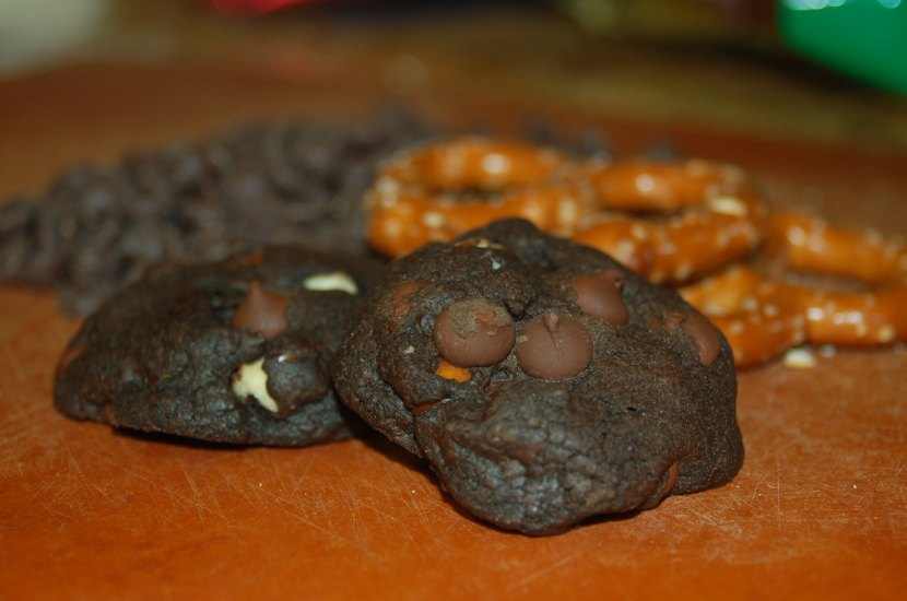 "Spicy Dark Chocolate, Pretzel & Caramel Surprise Cookie (aka ""The Ultimate TailgatingCookie"")"